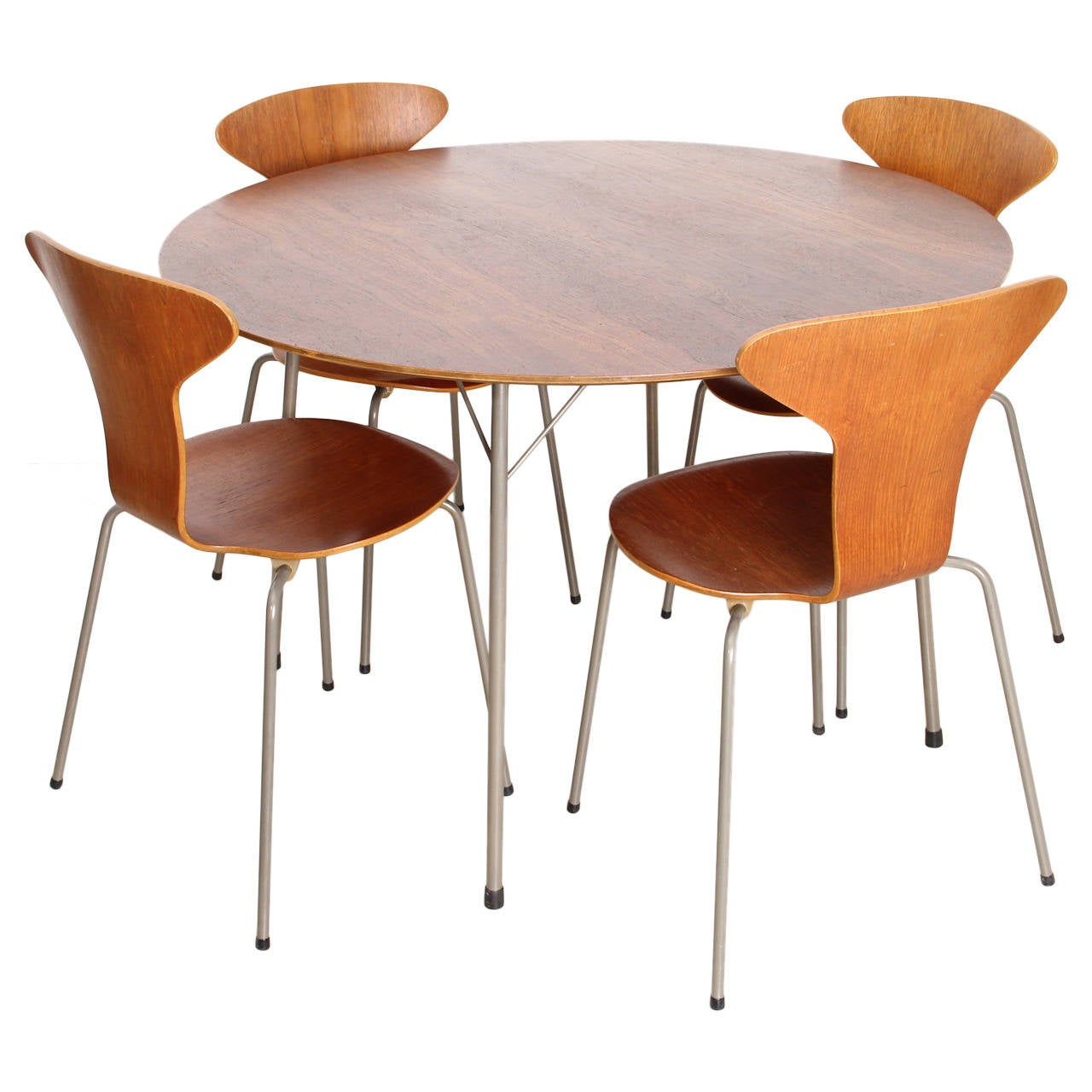 Arne Jacobsen Dining Set With Four Mosquito Chairs Produced By Fritz Hansen For