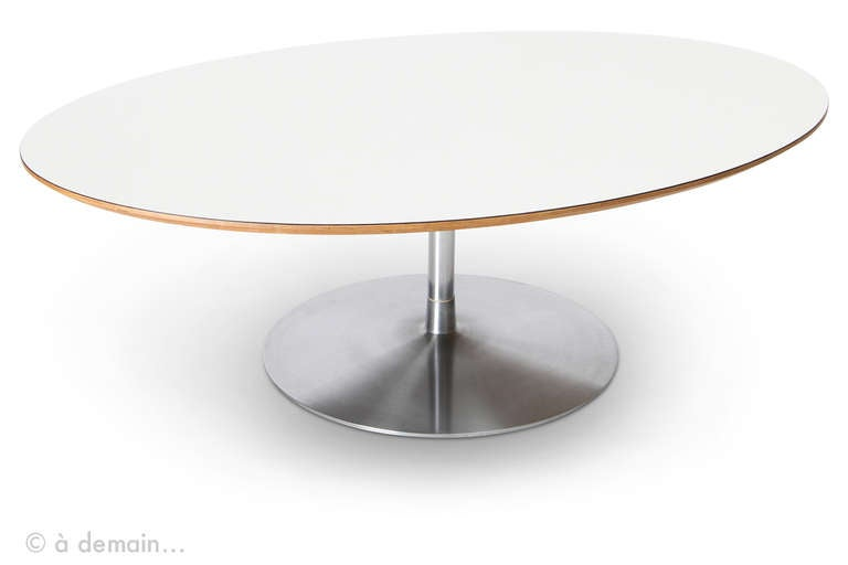 Circle Coffee Table By Pierre Paulin Edited Artifort 1960s At 1stdibs