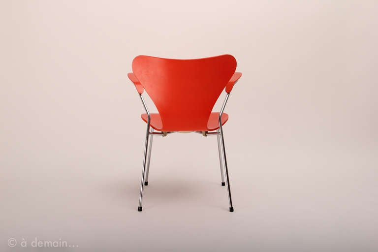 "Set of four ""Series 7"" chairs designed by Arne Jacobsen, edited by Fritz Hansen 5"