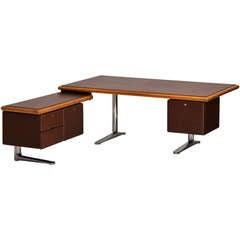 Executive desk designed by Warren Platner edited by Knoll in 1973