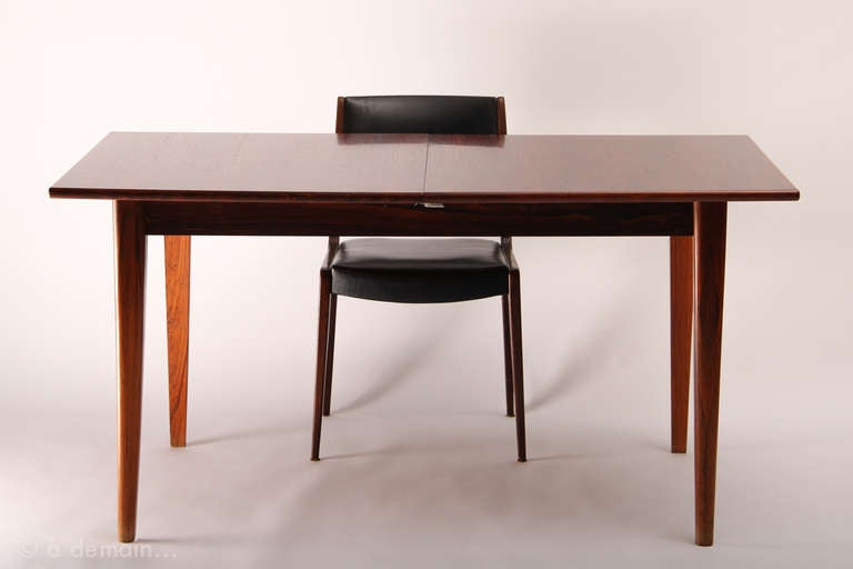 Dining table and its four chairs scandinavian design from - Table manger scandinave ...