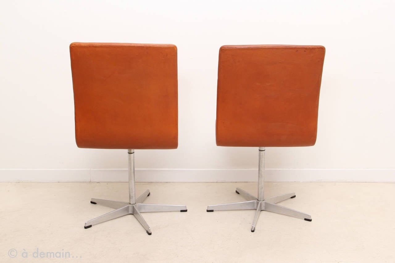 This arne jacobsen swan chair in cognac leather by fritz hansen is no - Oxford Chair By Arne Jacobsen Produced By Fritz Hansen 1963 3