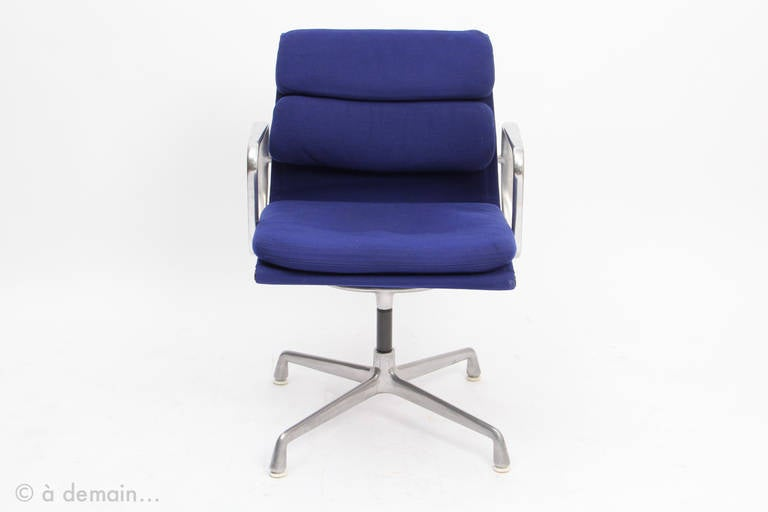 1960s charles and ray eames edited by herman miller at 1stdibs - Fauteuil herman miller ...