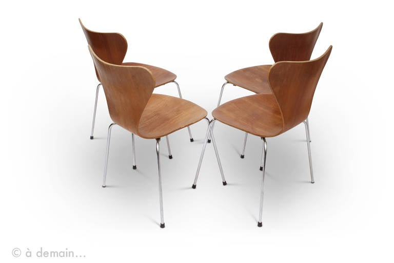 series 7 chairs designed by arne jacobsen edited by fritz hansen 1966 at 1stdibs. Black Bedroom Furniture Sets. Home Design Ideas