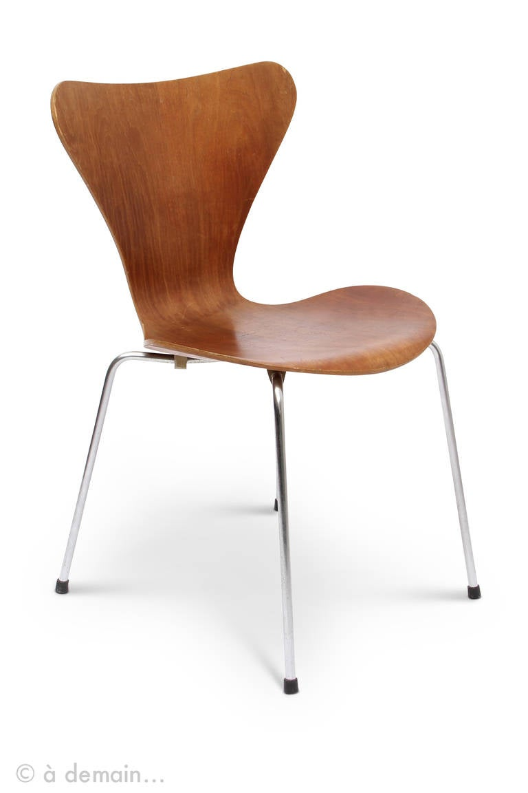 series 7 chairs designed by arne jacobsen edited by fritz hansen. Black Bedroom Furniture Sets. Home Design Ideas