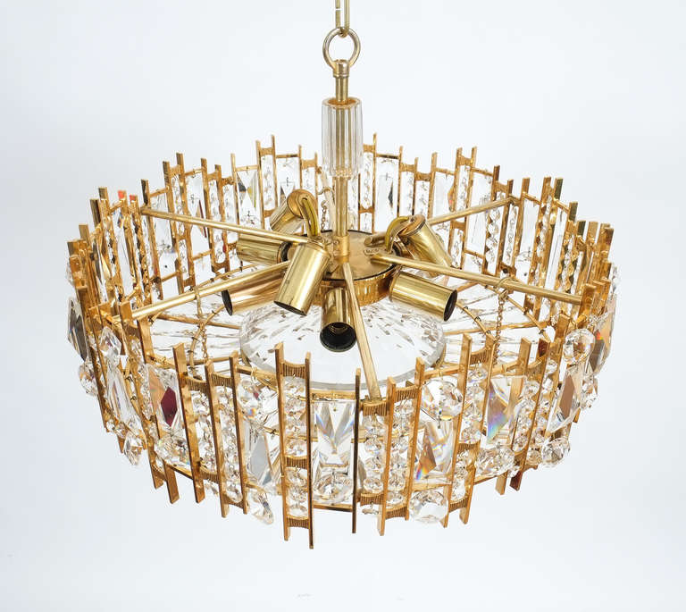 Gilt Brass and Crystal Glass Chandelier by Lobmeyr In Excellent Condition For Sale In Vienna, AT