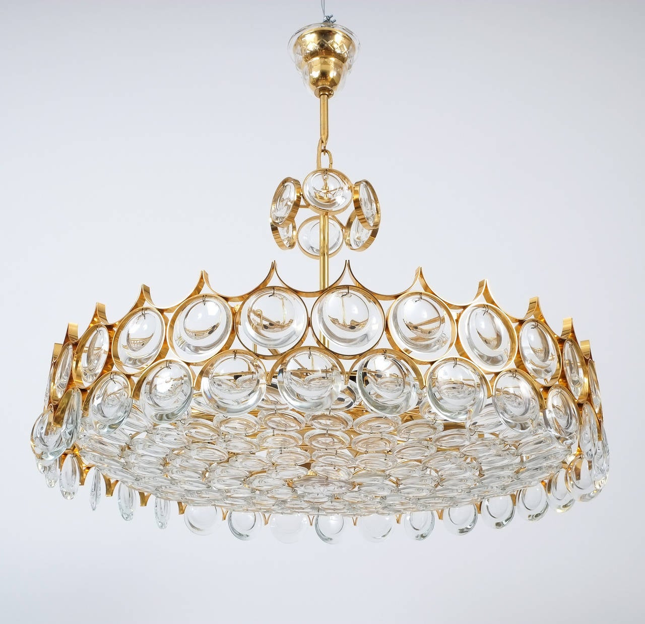 Palwa Gold Brass and Glass Large Chandelier Ceiling Lamp, 1960 In Excellent Condition For Sale In Vienna, AT