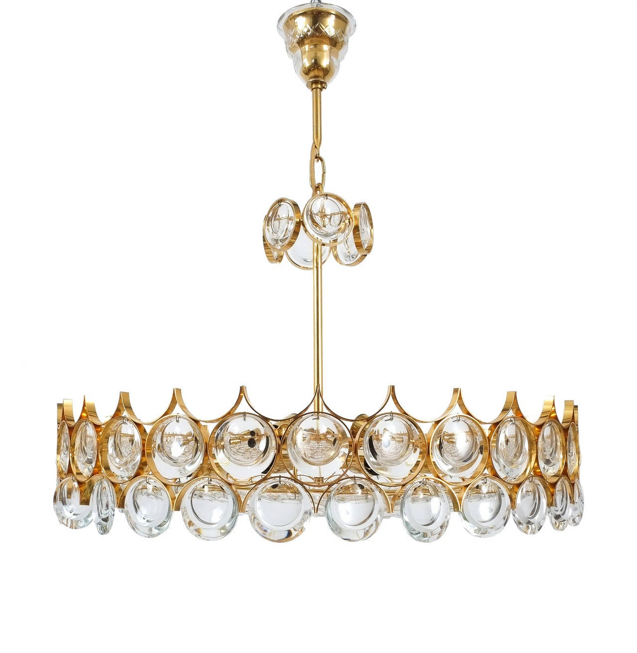 Refurbished Palwa gold brass and glass large chandelier ceiling lamp, 1960, Germany. Measuring 28 inch in diameter, this gold-plated chandelier by Palwa has got a stunning yet minimalistic design executed with a taste for excellence in both