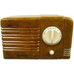 1938, RCA Little Nipper Green and White Catalin Bakelite Tube Radio