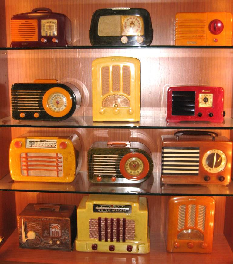 Major Collection Of 120 Catalin And Bakelite Radios From
