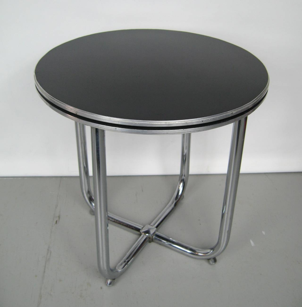 Streamline royal chrome art deco chrome and black side - Table de nuit art deco ...