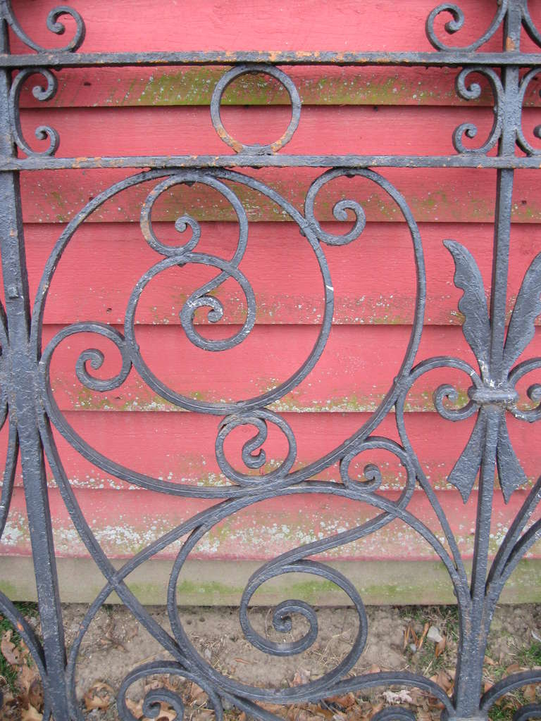 19th Century Iron Fence In Excellent Condition For Sale In Wallkill, NY