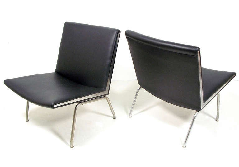 Two 1960s Quot Kastrup Quot Airport Chairs By Hans Wegner At 1stdibs