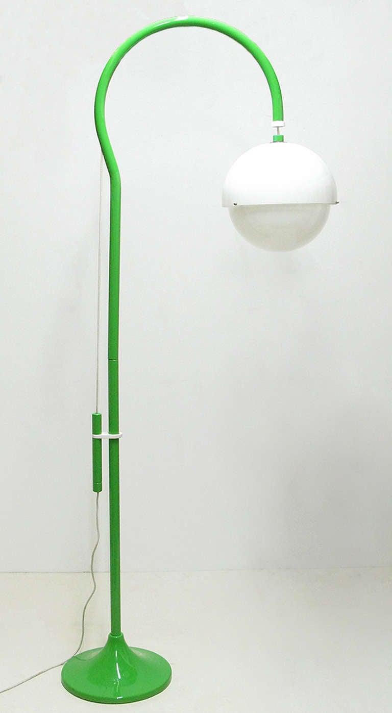 """1970s """"4055"""" Floor Lamp By Luigi Bandini For Kartell 2"""