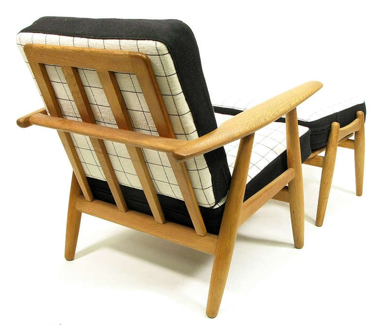 Onda Chair And Ottoman In Missoni Fabric By Giovanni: Cigar Chair And Ottoman By Hans Wegner At 1stdibs