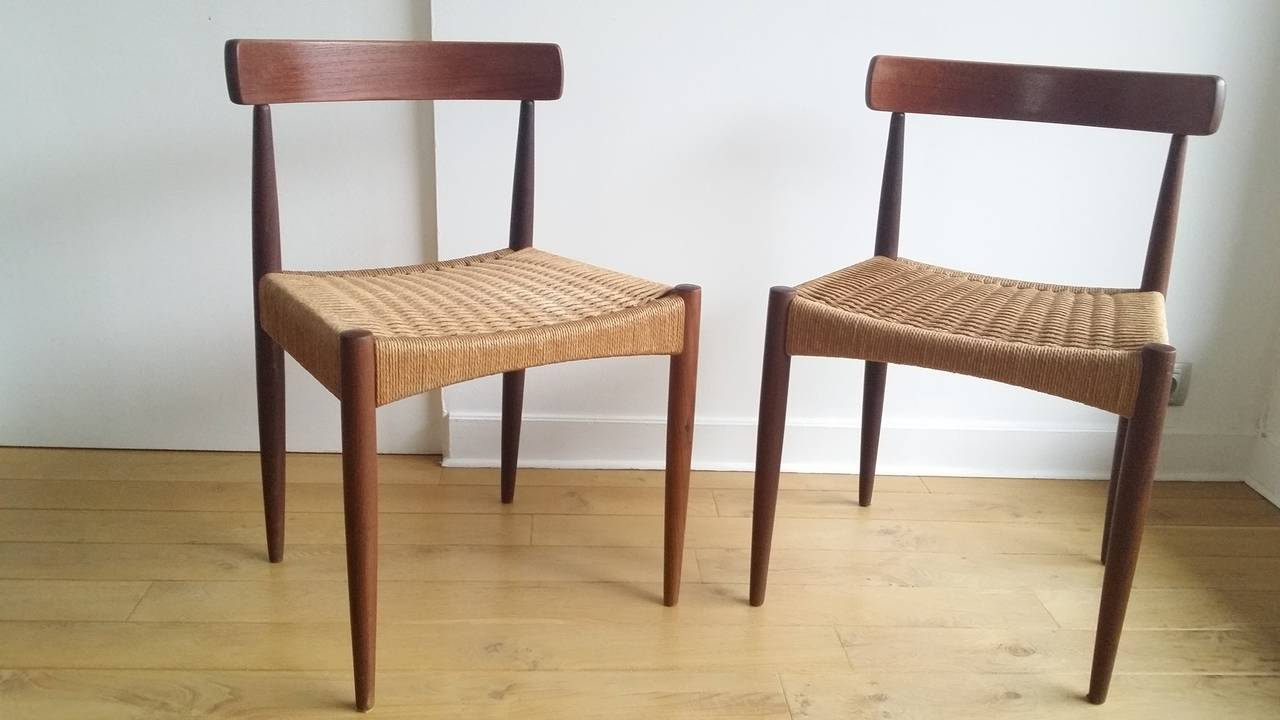 Delicieux Mid Century Modern Pair Of Signed Danish MK Chairs, Denmark, 1960s For Sale