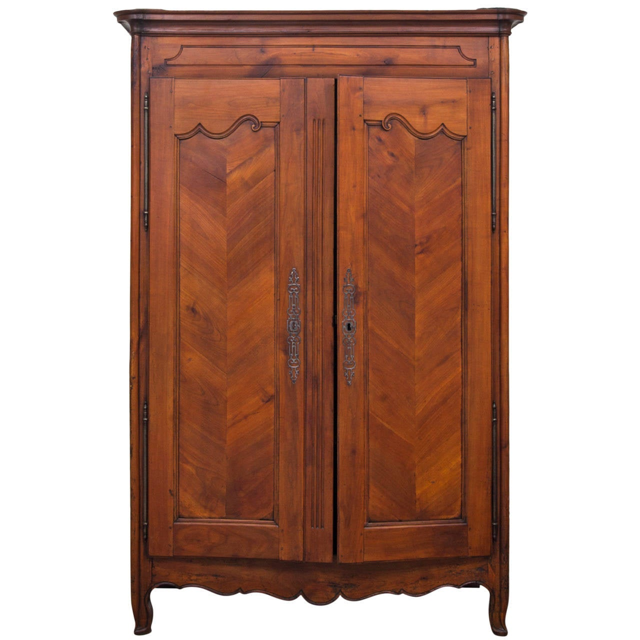 french antique louis xv style armoire at 1stdibs. Black Bedroom Furniture Sets. Home Design Ideas