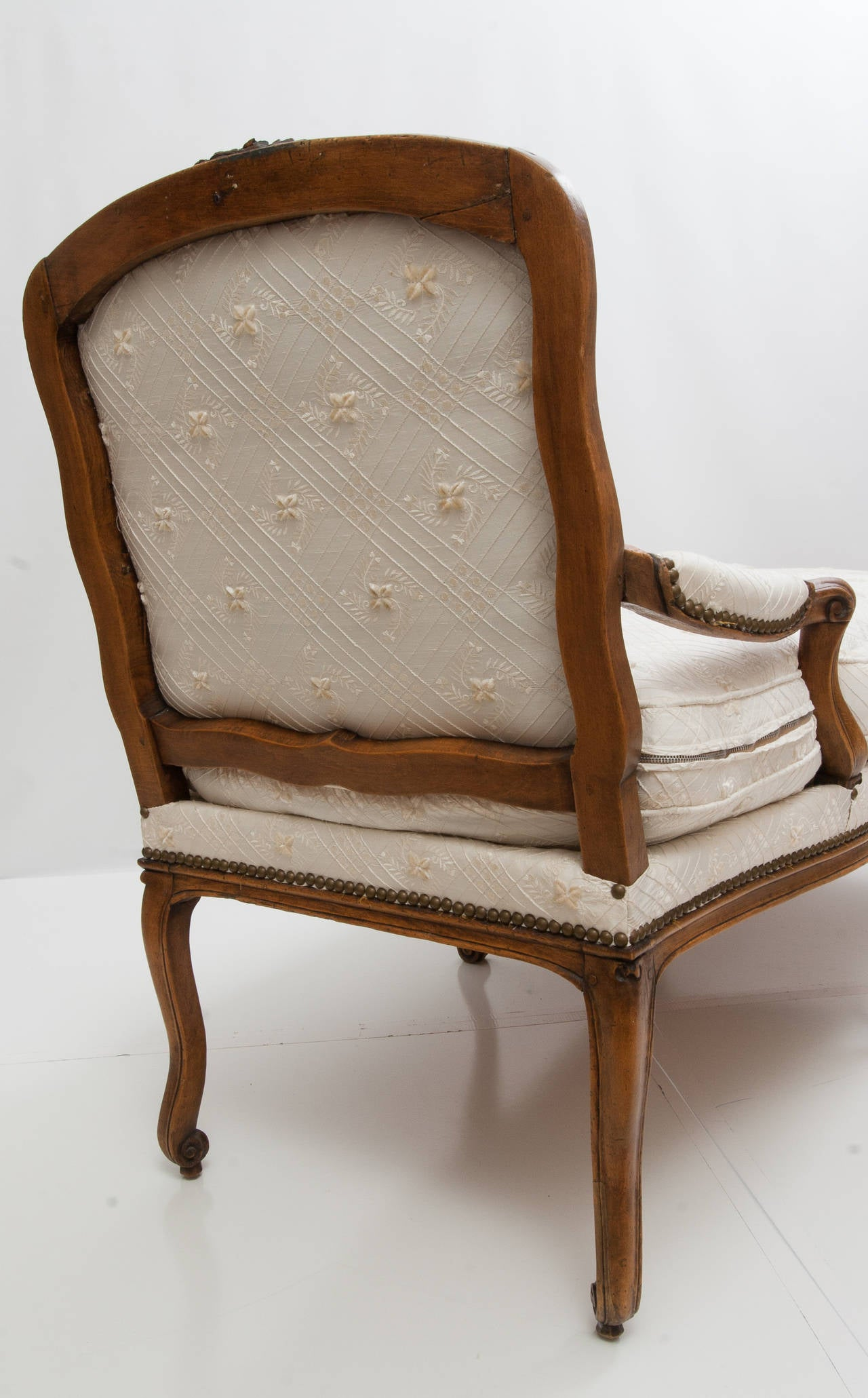 French antique louis xv style chaise lounge for sale at for Antique style chaise lounge