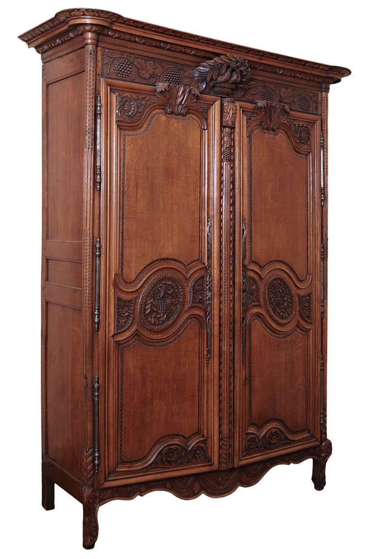 country french matrimonial oak armoire at 1stdibs. Black Bedroom Furniture Sets. Home Design Ideas