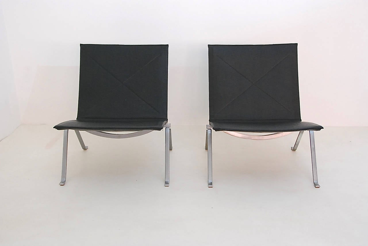 Pair Of Poul Kjaerholm PK22 Lounge Chairs At 1stdibs
