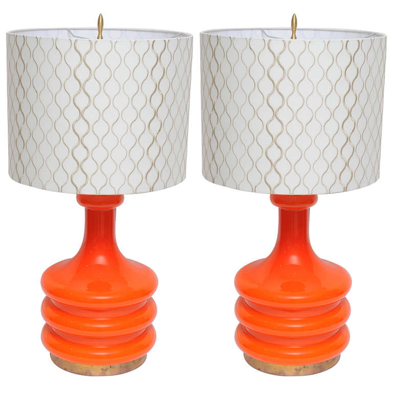 pair of rare coral art glass table lamps circa 1930 40s at 1stdibs. Black Bedroom Furniture Sets. Home Design Ideas