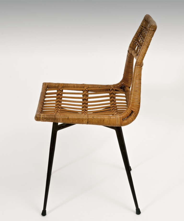 Modernist rattan chairs on metal frame at 1stdibs for Chaise en rotin conforama