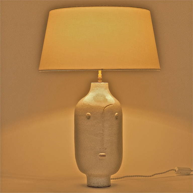 pair of white ceramic table lamps by dalo at 1stdibs. Black Bedroom Furniture Sets. Home Design Ideas