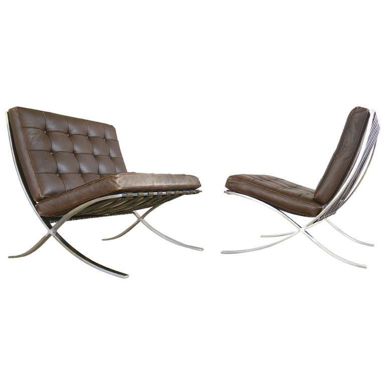 exceptional pair of barcelona chairs by mies van der rohe for knoll for sale at 1stdibs. Black Bedroom Furniture Sets. Home Design Ideas