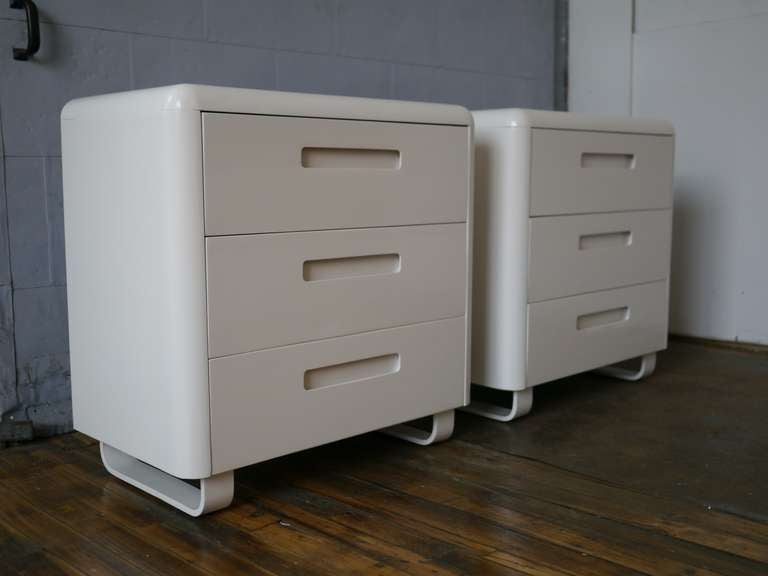 Mid-Century Modern Pair Plymodern Dressers In White Lacquer For Sale