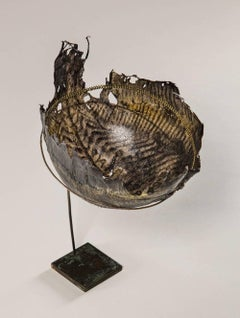 SCOPTHALMUS MAXIMUS - fish leather bowl on table stand