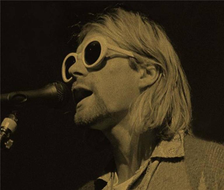 Kurt Cobain Signing, Gold