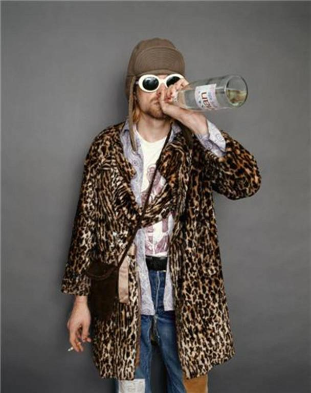 Kurt Cobain; Drinking Evian water