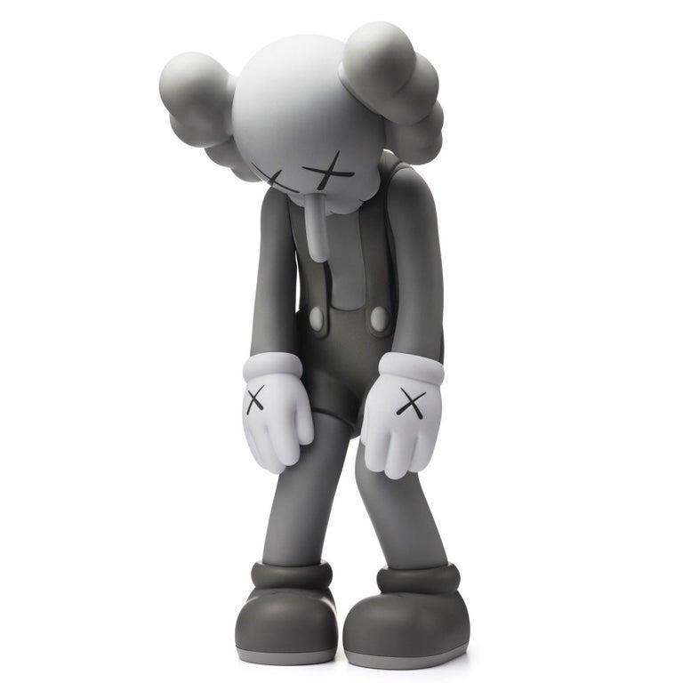 KAWS: Small Lie (Grey) - Vinyl Sculpture. Urban, Street art, Pop Art