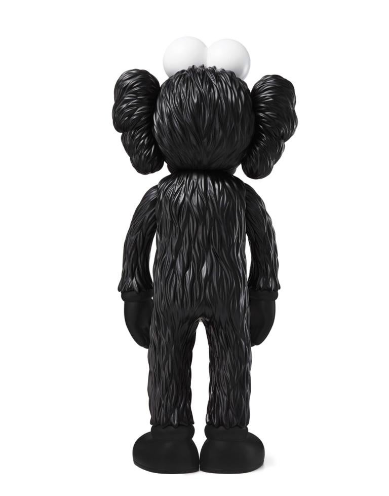 KAWS: BFF (Black) - Original Vinyl Sculpture, Street art, Pop Art. MOMA sold out For Sale 1