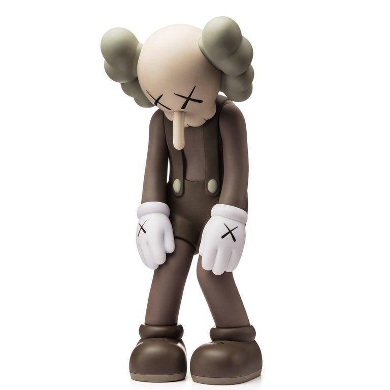 KAWS: Small Lie (Brown) - Vinyl Sculpture. Urban, Street art, Pop Art