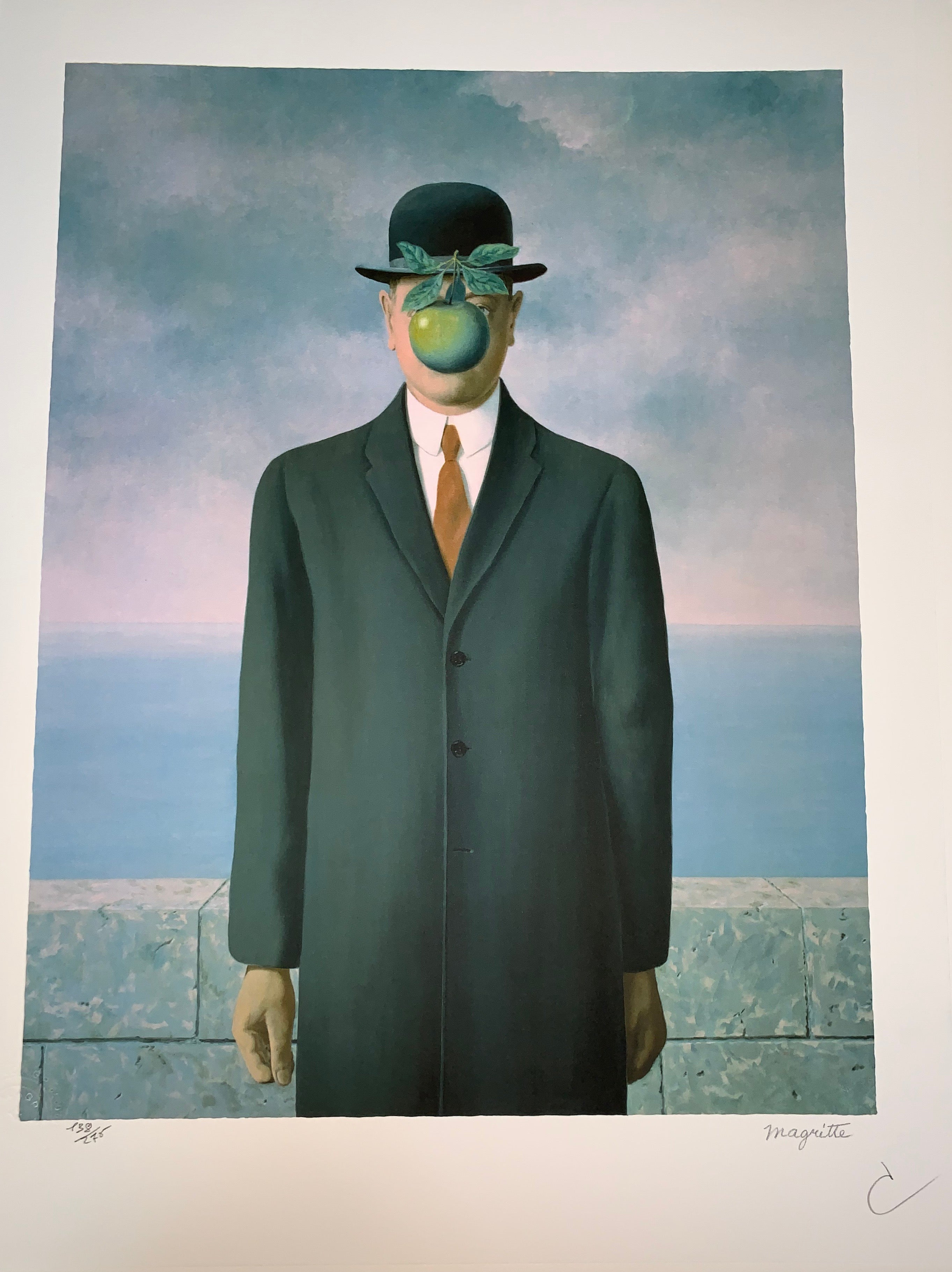 ddca33e0406 after) René Magritte - Le Fils de l Homme - 20th Century