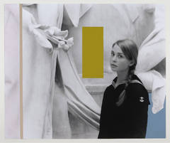Alexandra in Met Receiving Flowers (and Colors)