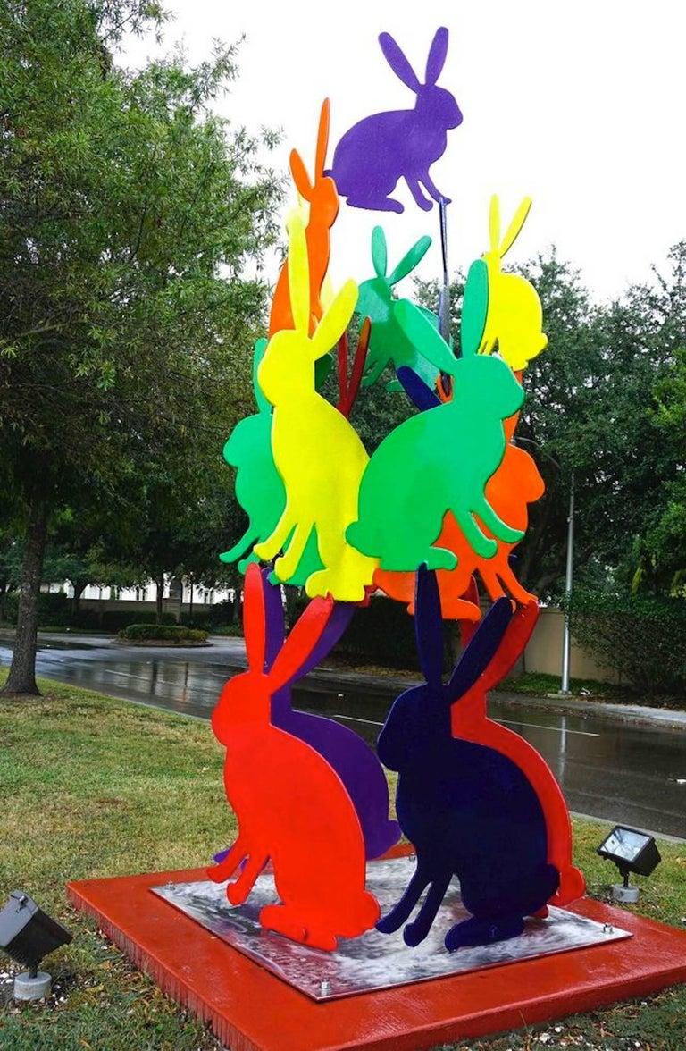 Outdoor bunny sculpture - Sculpture by Hunt Slonem