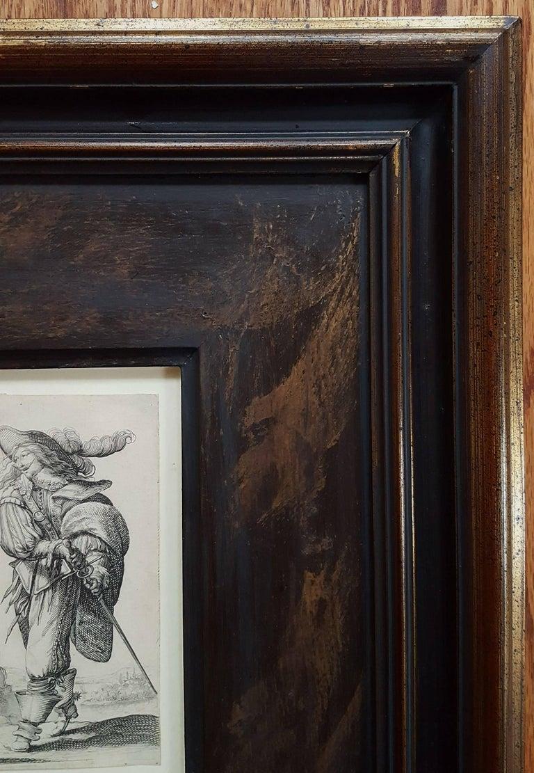 Un homme se dirigeant a droite monte un degre - Gray Figurative Print by Abraham Bosse