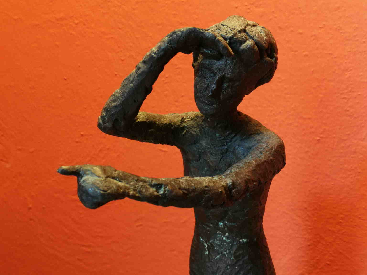 Quinto Martini, Woman looking at the horizon, half of the 20th, bronze