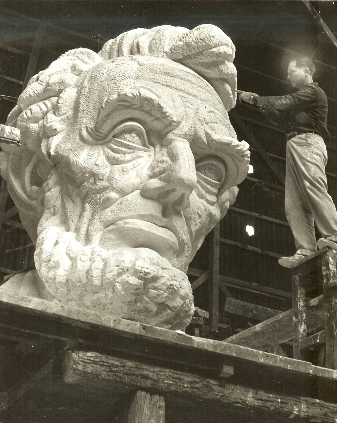 The Arch - Modern Sculpture by Robert Russin