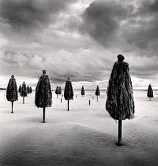 Michael Kenna - Thirteen Beach Umbrellas, Montesilvano, Abruzzo, Italy