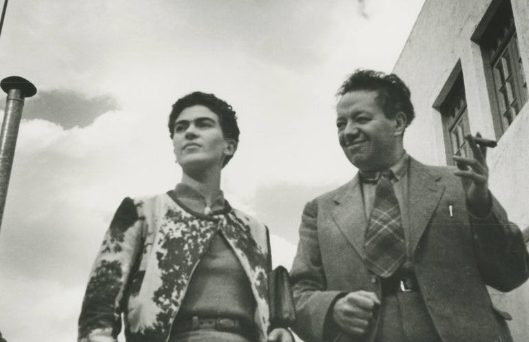 Leo Matiz Figurative Photograph - Frida and Diego, Mexico