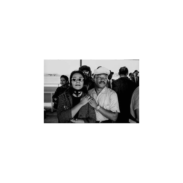 Dan Budnik Black and White Photograph - Selma to Montgomery March. Coretta Scott King and Martin Luther King Jr., Munici