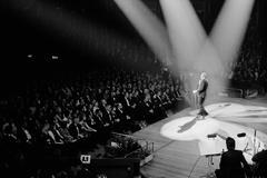 Frank Sinatra serenades his ex-wife Ava Gardner at The Royal Albert Hall