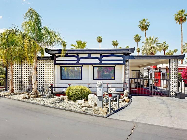 sahara mobile home park palm springs with Id A 1665523 on Parkview Mobile Estates in addition Pleasanton Texas together with Id A 1666063 as well Pid 18351686 additionally Thinking About Growing Old.