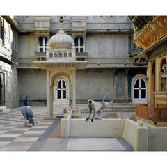 Karen Knorr - The Courtyard Conference, Dungarpur Palace