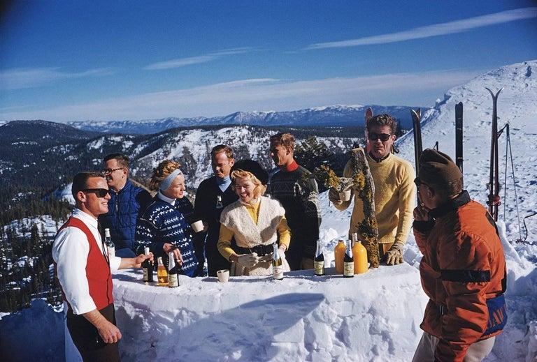 Slim Aarons: Apres Ski (Slim Aarons Estate Edition) - Photograph by Slim Aarons