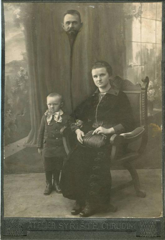 Untitled, Balloon Headed Man Family Portrait
