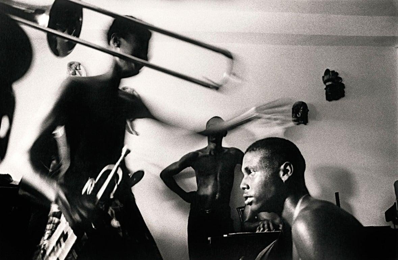 Ernesto Bazan Black and White Photograph - Musicians rehearsing, Havana,1998